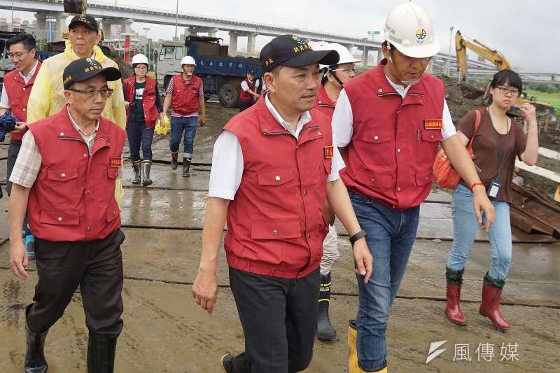 20190808-新北市長侯友宜視察光復橋耐震能力提升工程。(盧逸峰攝)