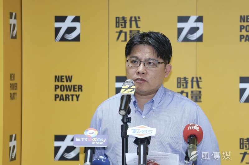 時代力量黨主席邱顯智今(12)日宣布,請辭黨主席。(陳品佑攝)