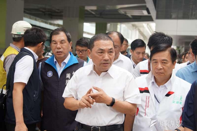新北市長侯友宜(中)不接韓國瑜新北總部主委,讓韓粉很受傷。(盧逸峰攝)