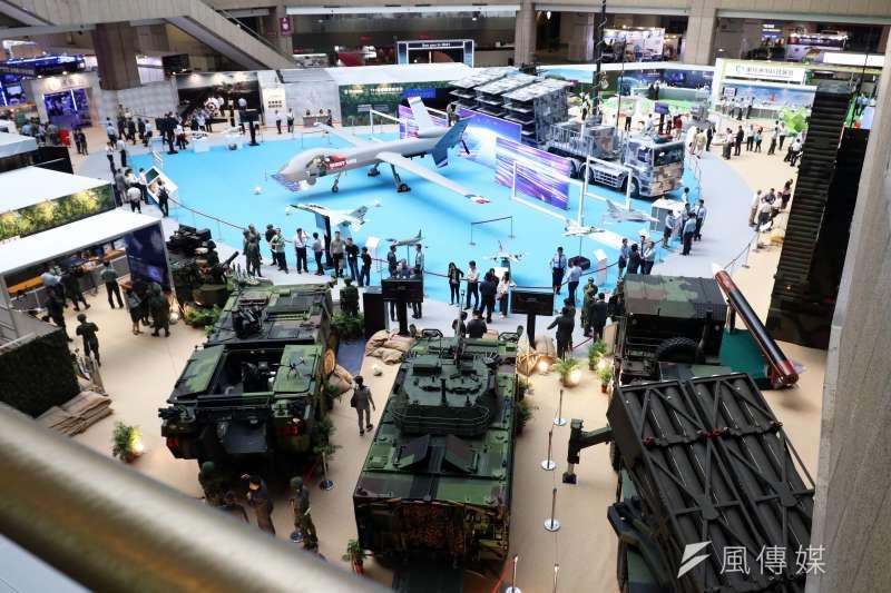 兩年一度的「台北國際航太暨國防工業展」將於15日正式登場,國防部14日下午舉行展前記者會,搶先公開亮點。圖為航太展現場。(蘇仲泓攝)