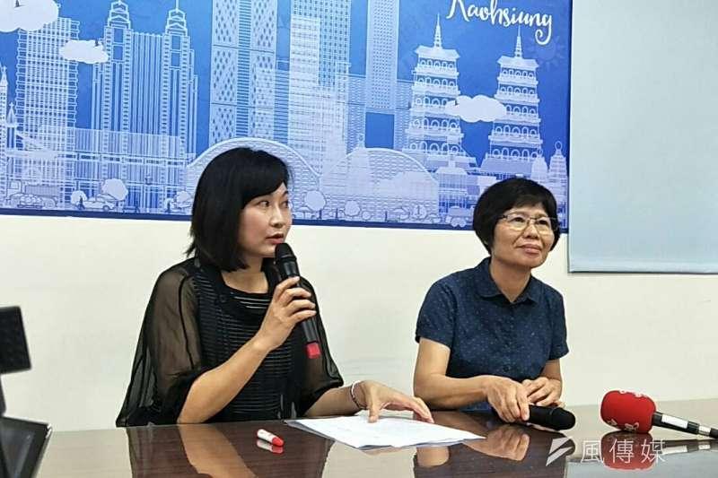 高雄市議員陳麗娜(左)與環保局副局長蔡秀玉。(圖/徐炳文攝)