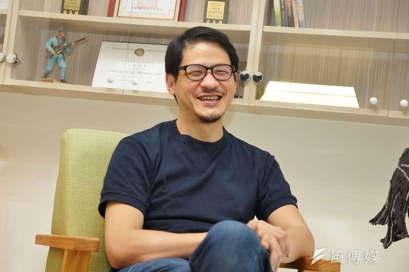 第一回被迫休息,蔣顯斌沉澱1年後,找到夥伴創立CNEX基金會,撿回青澀時期的藝文夢,投身紀錄片產業,但第二回動刀的經驗,他卻鮮少對外談起。(盧逸峰攝)