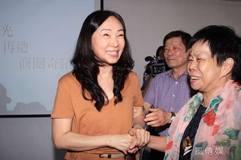 針對高雄市長韓國瑜近來風波不斷,夫人李佳芬(見圖)17日參訪永康街商圈時表示,若無證據,此事對社會來說就是種污染、干擾。(蔡親傑攝)