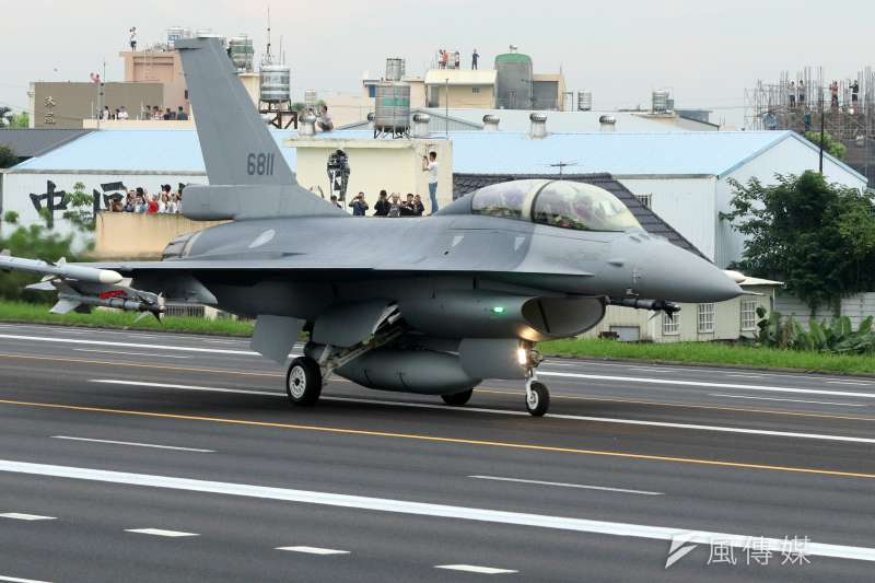 空軍升級版的F-16V於今年五月參與戰備道起降演練。(蘇仲泓攝)