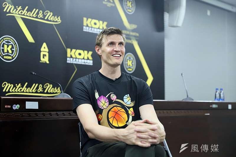 俄羅斯傳奇前NBA球員基里連科,在中國出席街頭籃球賽事時大談對於國家籃球運動的發展。(圖/余柏翰攝)