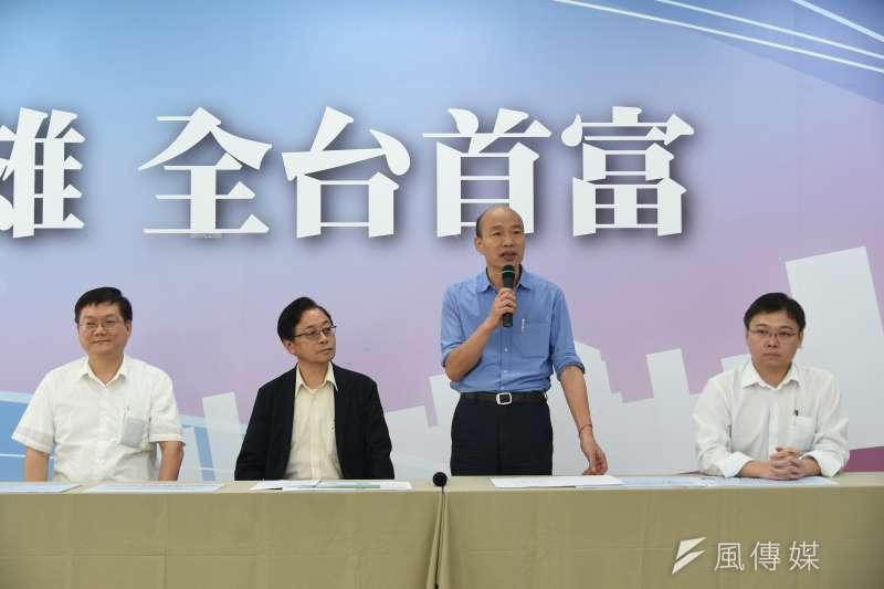 韓國瑜(右二)說,在安全無虞情況下,他是有條件支持重啟核四,但對於核能安全議題,台灣卻太多事情泛政治化。(圖/徐炳文攝)