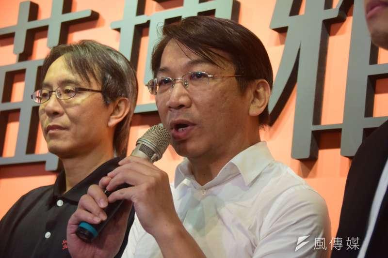 時代力量主席徐永明(中)26日拜會社民黨召集人丁勇言(左)等人。(吳俊廷攝)