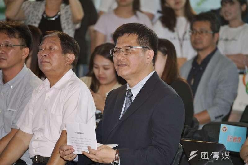 交通部長林佳龍7月受訪時曾表示高鐵延伸屏東一定要做,而4條高鐵延伸屏東的可能路線正等待評選。(資料照,盧逸峰攝)