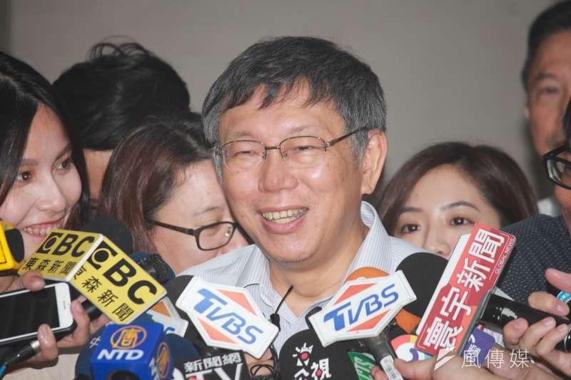 台北市長柯文哲今(30)日上午主持北市府交通會報,會前受訪。(方炳超攝)
