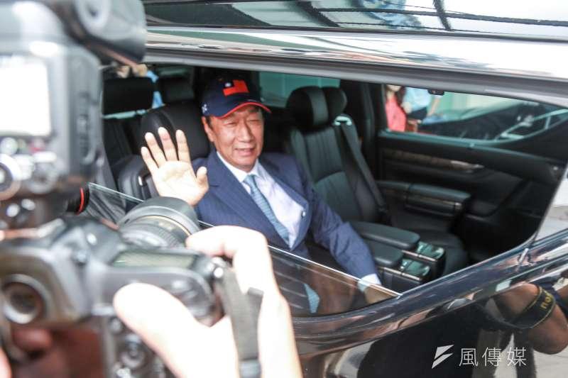 在鴻海集團創辦人郭台銘宣布不參選2020年總統這件事上面,資深媒體人唐湘龍認為,郭應該要給台北市長柯文哲一個交代。(資料照,簡必丞攝)