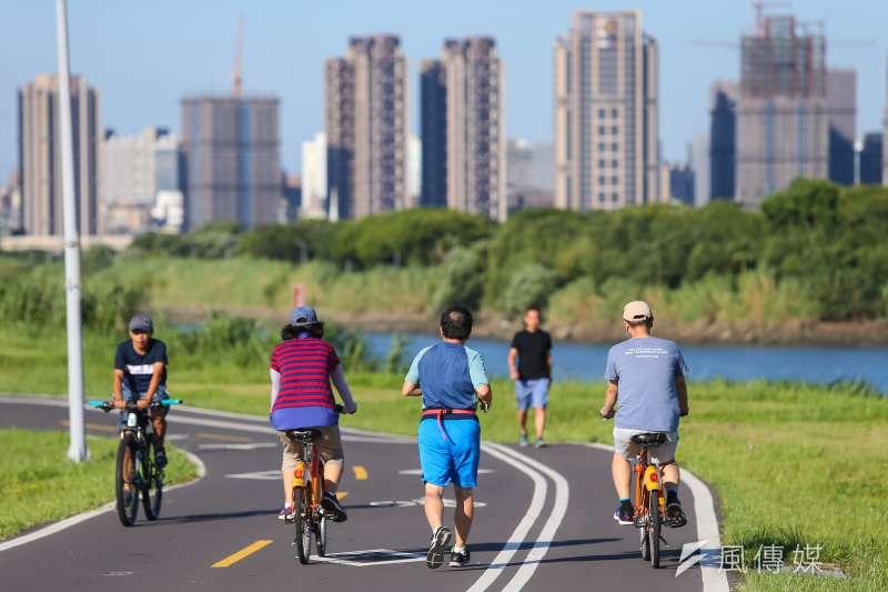 根據交通部道路安全委員會統計,2018年國內造成人員傷亡的自行車事故已多達近萬件,與2011年相比,8年成長率突破80%。圖為示意圖,非關新聞個案。(顏麟宇攝)