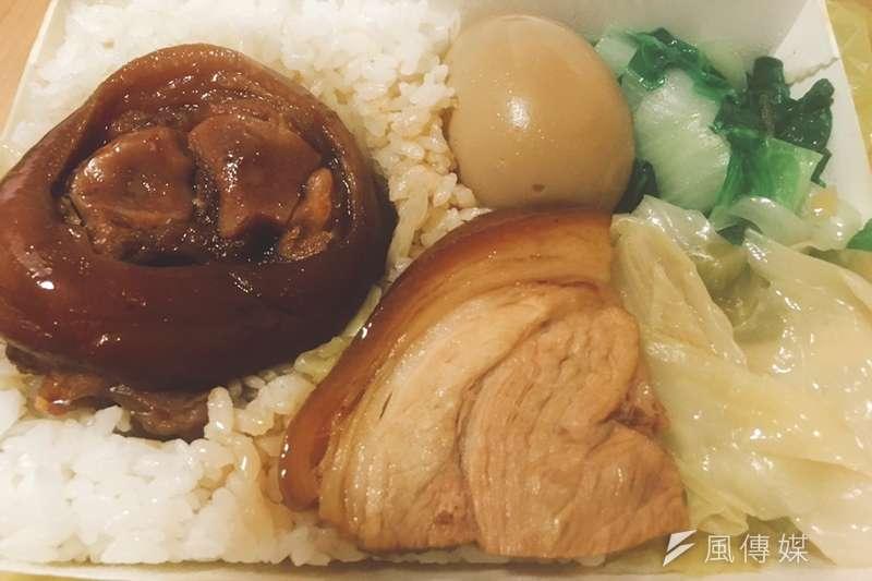 台灣的菜價除了在颱風侵襲後會大漲外,往往在颱風訊息剛發布時也會先漲一波,許多自助餐廳的葉菜量因而減少。(示意圖,程子威攝)