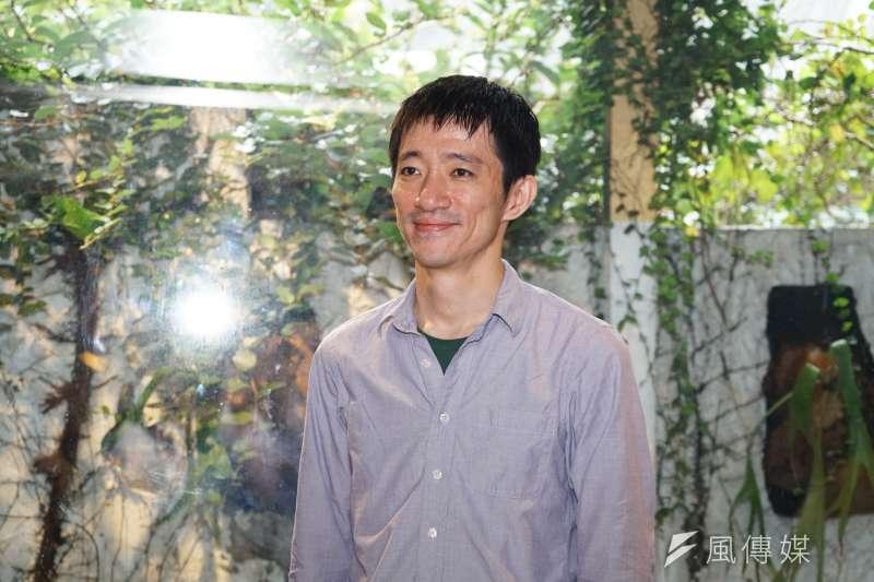 導演徐漢強出席4日電影《返校》媒體聯訪,表示要傳達的是非常普世、台灣該知道的價值,就是要呼籲大家珍惜自由。(盧逸峰攝)