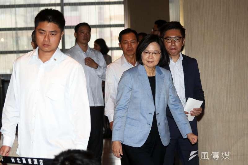 針對鴻海集團創辦人下辯論戰帖,總統蔡英文4日表示應考慮實質加碼投資台灣。(蘇仲泓攝)