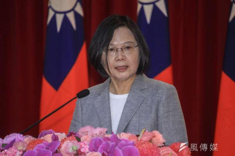 針對台北市長柯文哲日前抨擊,總統蔡英文(見圖)5日表示,台灣是民主社會,政治人物都會受到批評質疑。(蔡親傑攝)