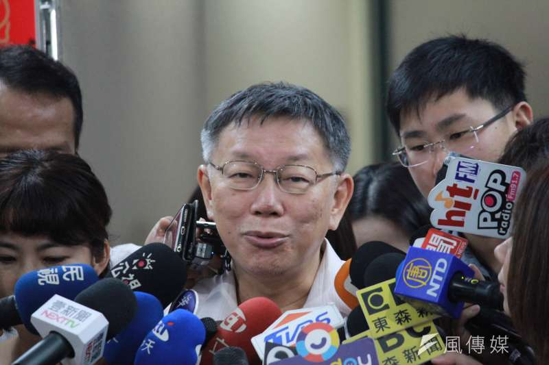 台北市長柯文哲日前指AIT人員曾稱「美方沒有要台灣買M1戰車」5日遭國防部駁斥。對此,柯文哲回應,不是一個AIT的人代表整個AIT。(方炳超攝)