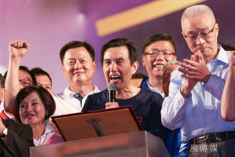 前總統馬英九8日出席國民黨總統參選人韓國瑜的新北市造勢活動,但他致詞到一半時,韓剛好進場,導致其發言被迫中斷。(簡必丞攝)