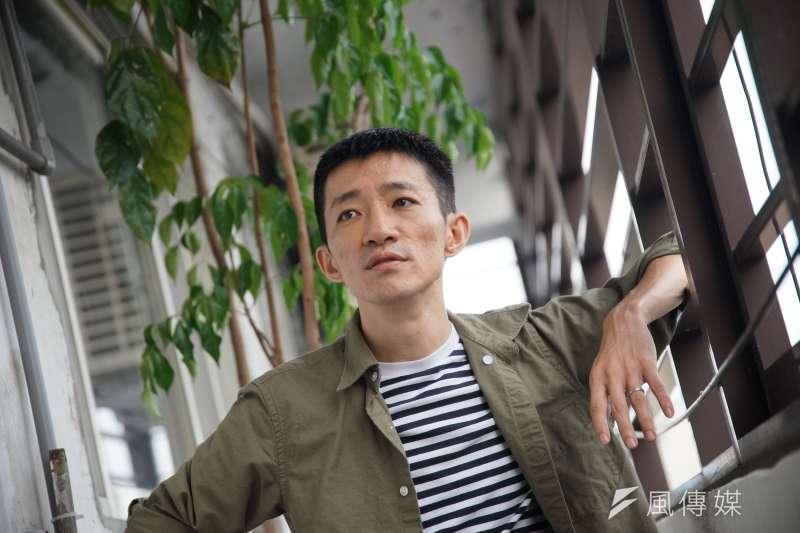 電影《返校》將在9月上映,導演徐漢強接受《風傳媒》專訪時坦言,「《返校》對我來講,就是很大魔王式的新挑戰。」(盧逸峰攝)