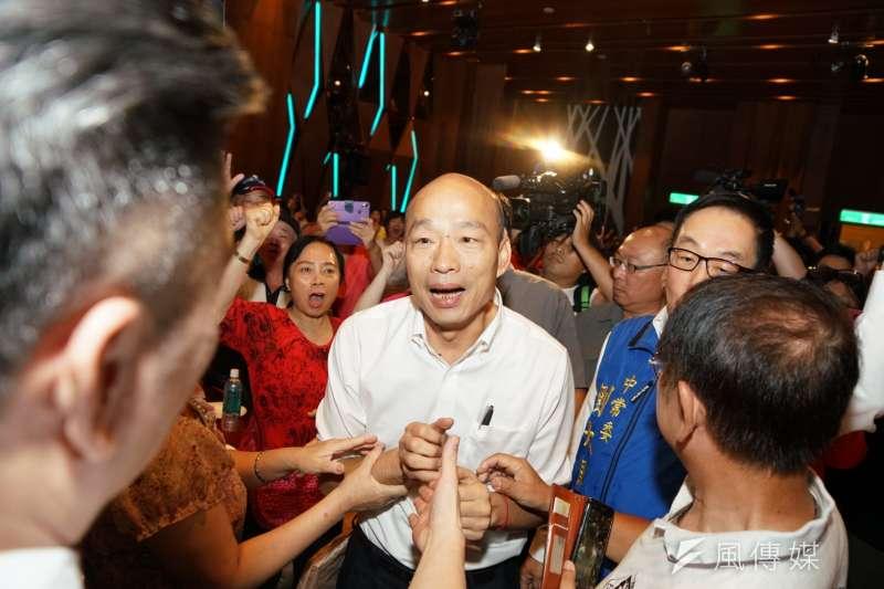 高雄市長韓國瑜晚間受訪表示,跟朱立倫的溝通管道非常順暢。(資料照片,盧逸峰攝)