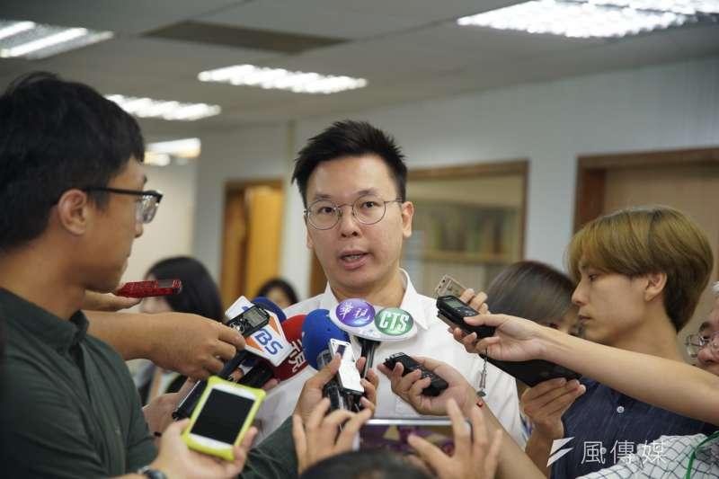 20190911-民進黨中常會,副秘書長林飛帆出席。(盧逸峰攝)