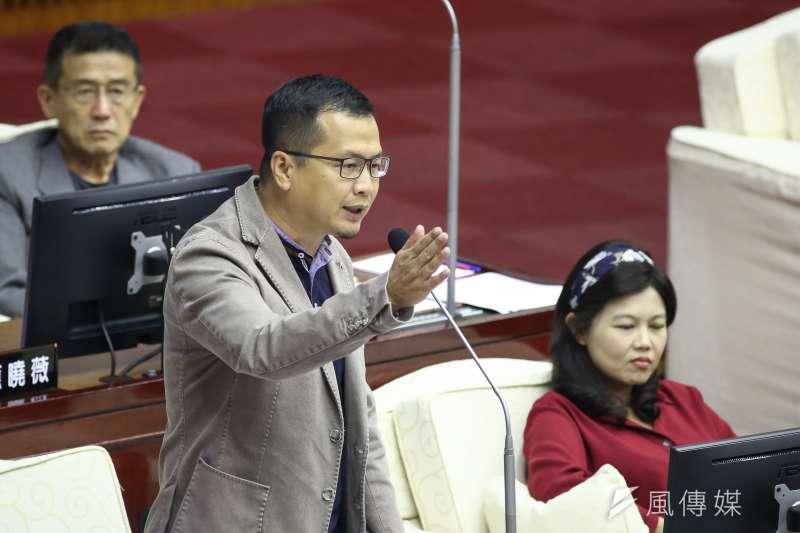 國民黨台北市議員羅智強(見圖)認為,鴻海創辦人郭台銘宣布不選2020總統後,國民黨總統參選人韓國瑜的處境更簡單,卻也更艱難。(資料照,陳品佑攝)