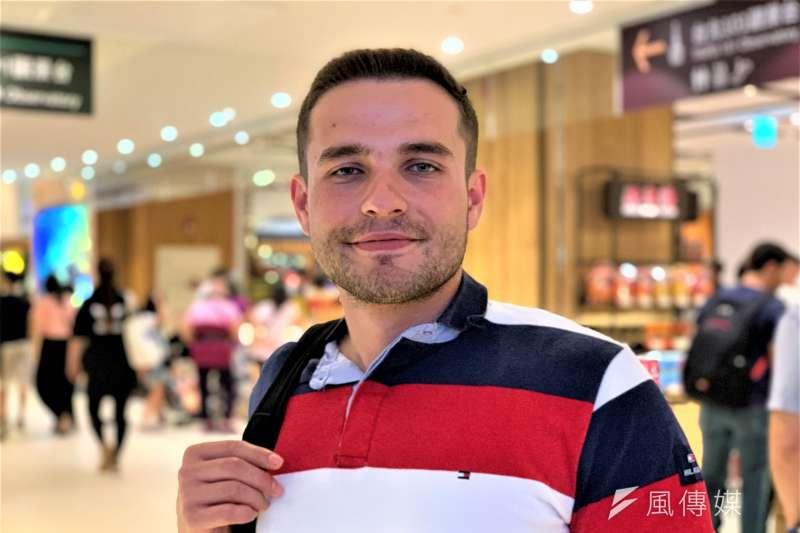 科索沃青年賈坦尼(Egzon Gajtani)首次到亞洲就來台灣(簡恒宇攝)