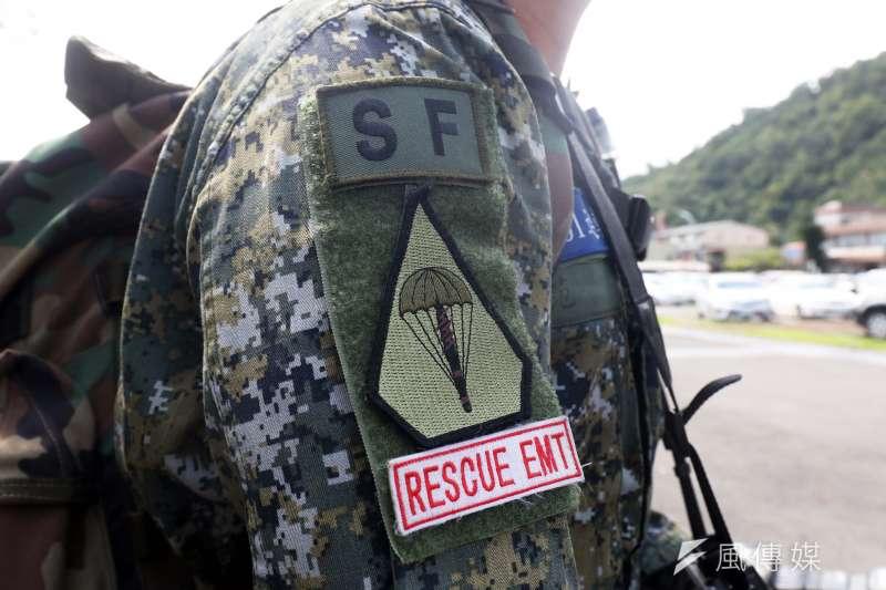 20190912-現代戰場環境強調戰傷救護,即在敵火和有限資源下,具備救護技能的官兵能對傷患先期實施處置,為後送爭取時間。據悉,特五營現已達到每六人就有一人通過EMT-1的合格認證,不少官兵右臂上的「RESCUE EMT」臂章,相當吸睛。(蘇仲泓攝)