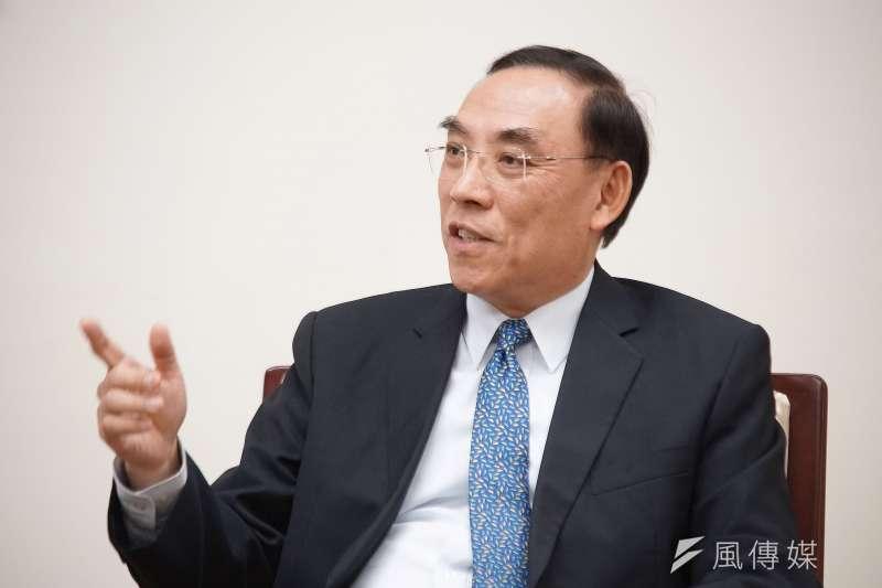 上任1年多的法務部長蔡清祥(見圖),接手前任部長邱太三後,繼續推動攜子入監、矯正學校和視訊探監等獄中人權改革。(盧逸峰攝)