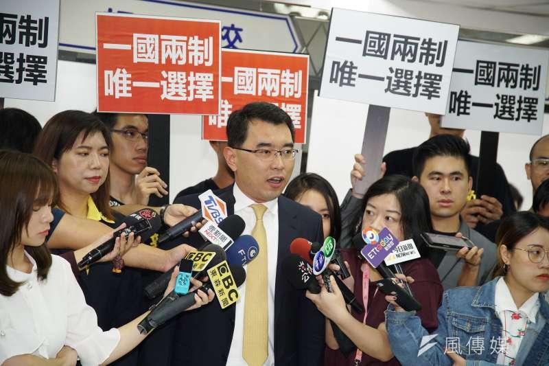 20190917-新黨總統參選人楊世光至中選會登記為總統選舉被連署人。(盧逸峰攝)