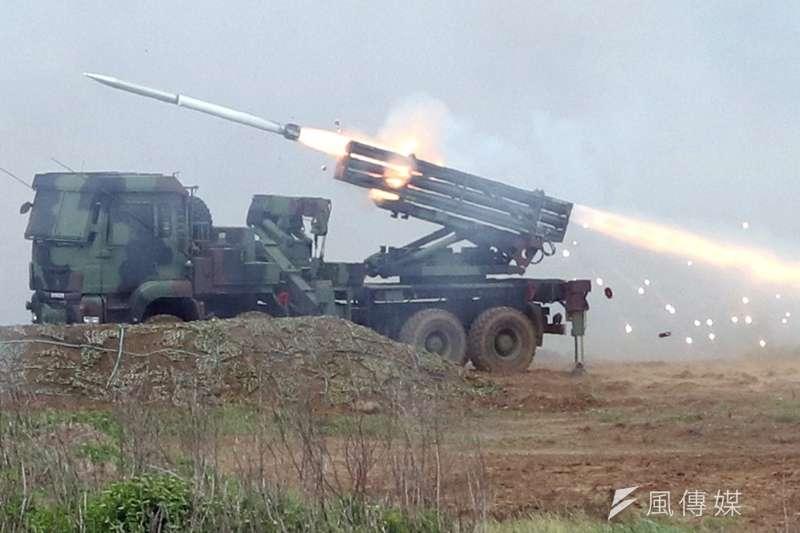 軍方以「世界上最具威力的現代化多管火箭系統」形容雷霆2000多管火箭。(資料照,蘇仲泓攝)