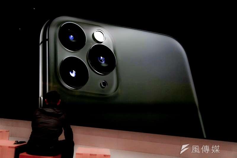 20190920-中華電信、遠傳電信、台灣大哥大、蘋果旗艦店 iPhone 11開賣儀式於20日陸續開跑。(簡必丞攝)