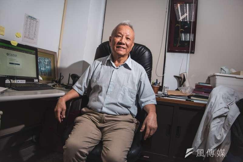 台聯大系統校長、前教育部長曾志朗接受《風傳媒》專訪時直言,外界對陽明和交大合併的相關疑慮都是多餘,台灣若想在世界舞台發揮,一定要把能量整合。(簡必丞攝)