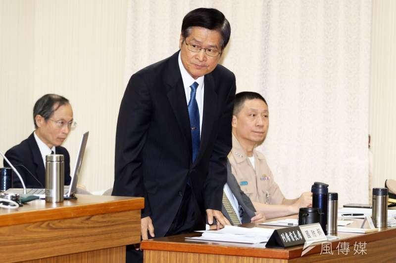 立法院23日審查「新式戰機採購特別條例草案」,國防部長嚴德發出席。(蘇仲泓攝)