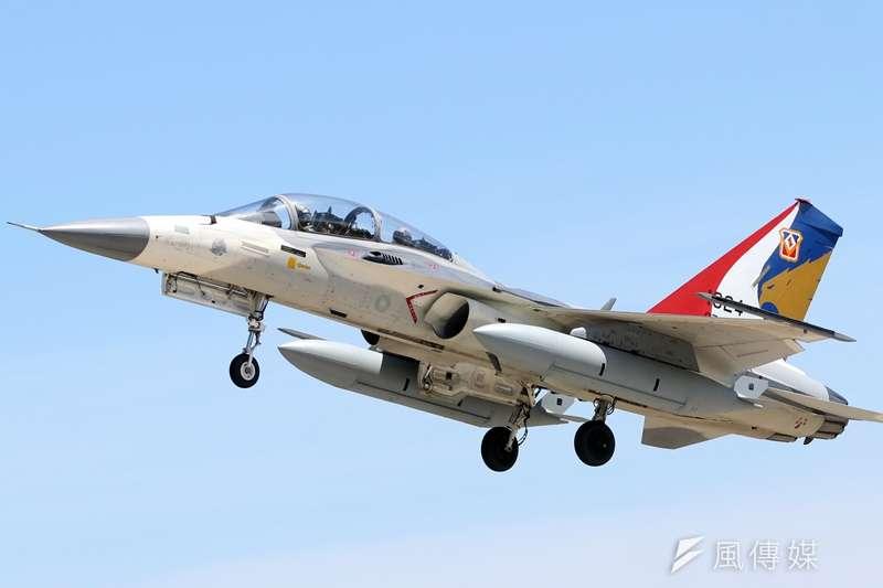 空軍三型主力戰機之一的IDF經國號,近年在「翔展案」等構改案後已全數完成提升,IDF也是目前唯一完成性能升級的三型戰機之一。(蘇仲泓攝)