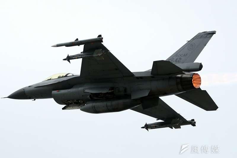 20190924-空軍三型主力戰機之一的F-16,現有的部分在「鳳展案」下,預計將現有140架全數升級為F-16V等級,目前已有部分完成提升,不過整體進度仍落後。(蘇仲泓攝)