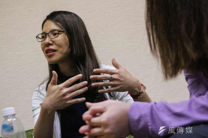 20190924-兒少性剝削專題,阿樂專訪,阿樂高中導師(左)。(顏麟宇攝)