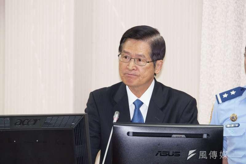 國防部長嚴德發25日在立法院外交國防委員會進行業務報告。(盧逸峰攝)