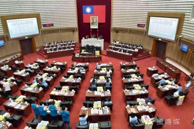 高雄市議會第三屆第二次定期大會今日進行施政報告與質詢。(圖/徐炳文攝)