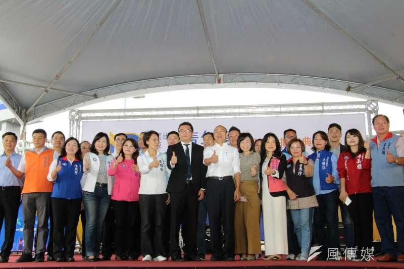 籌備五個多月的高雄市政府青年局,在高雄國家體育場正式成立。(圖/徐炳文攝)
