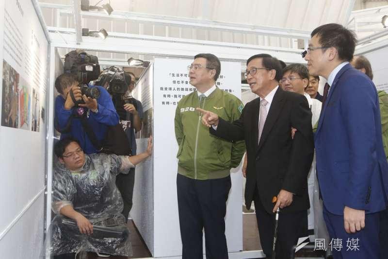相隔11年,陳水扁(中)重返民進黨中央黨部。(郭晉瑋攝)