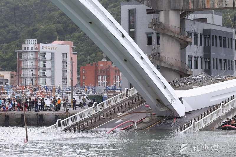 20191001-南方澳跨港大橋坍塌,橋面鋼索斷裂。(顏麟宇攝)