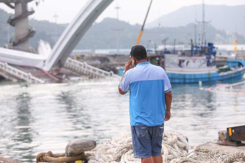 20191003-南方澳跨港大橋坍塌,新臺勝船東江國隆。(顏麟宇攝)