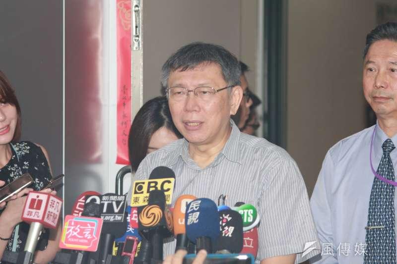 20191003-台北市長柯文哲3日上午在市府短暫接受媒體聯訪。(方炳超攝)