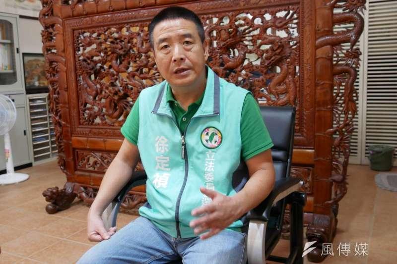 20191004-前苗栗縣頭份市長徐定禎接受專訪,此次立委選戰將上綠袍參選。(潘維庭攝)