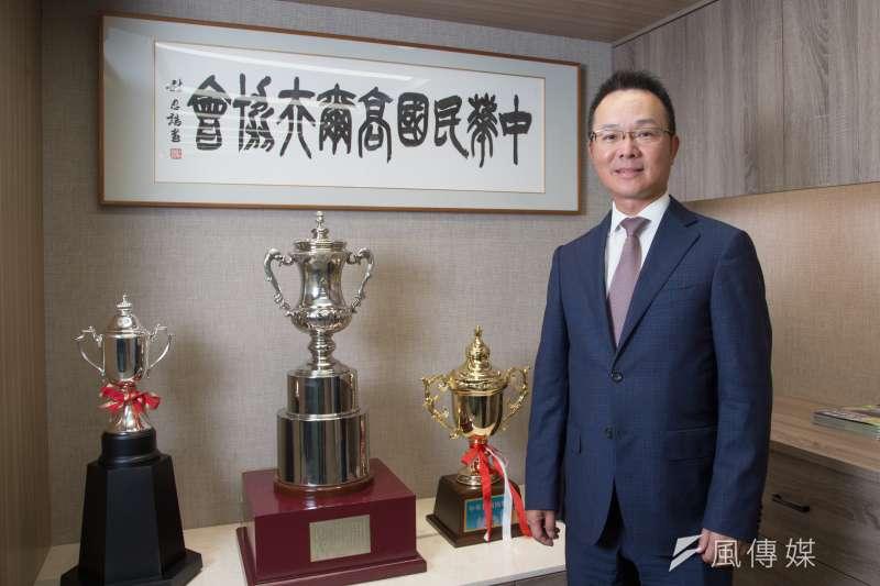 中華民國高爾夫協會理事長王政松,同時也是裙擺搖搖基金會會長,對台灣高球環境貢獻不遺餘力。(顏麟宇攝)