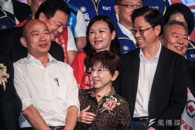 作者表示,比起國民黨總統參選人韓國瑜(左)提名前行政院長張善政(右)當副手,更在意韓國瑜在接受專訪時所提到的,未來的行政院長人選,最關鍵的是要負責「讓人民有錢」,一句話道出台灣人民真正期待的政府。(資料照,蔡親傑攝)