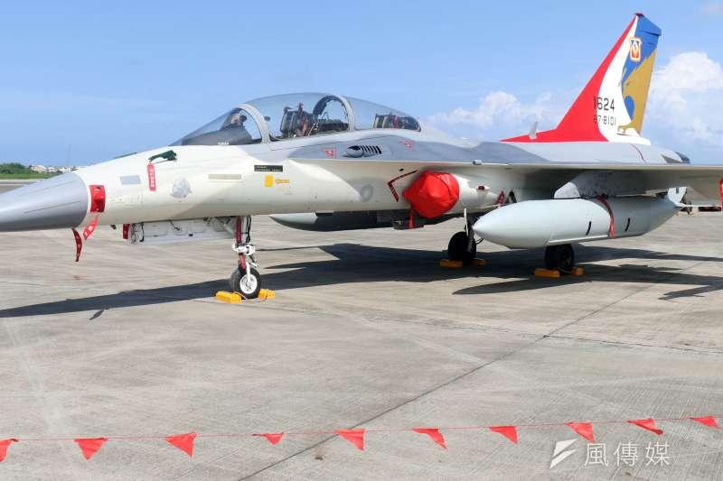 20191008-空軍台南基地將於19日開放,屆時IDF經國號也將帶來編隊衝場演出。(蘇仲泓攝)