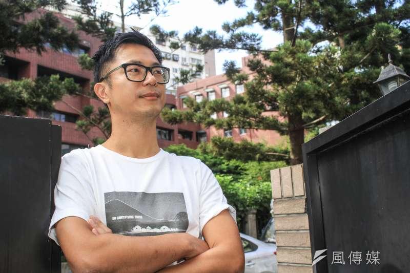 電影《江湖無難事》導演高炳權接受專訪。(蔡親傑攝)