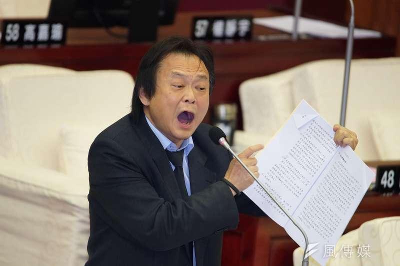 台北市議員王世堅(見圖)痛批振興三倍券,直指「花這麼多錢只為了成就行政院長蘇貞昌」。(資料照,盧逸峰攝)