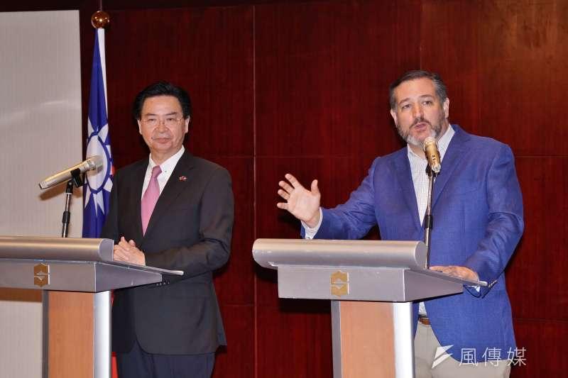 外交部舉辦「外交部長吳釗燮及美國 參議員克魯茲(Ted Cruz)聯合記者會」,克魯茲接受媒體提問。(盧逸峰攝)